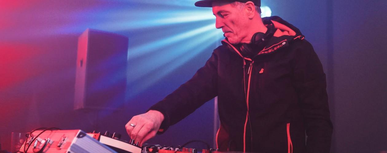 DJ-Legende Dr. Motte macht in Bebra die Nacht zum Tag